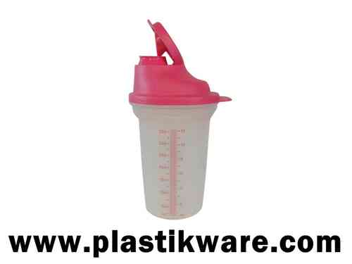 TUPPERWARE SHAKE-IT